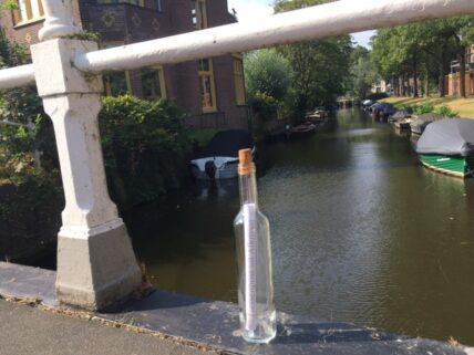 Waar staat het flesje…